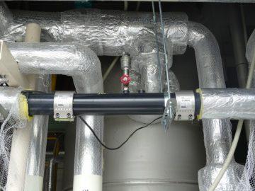 冷却水配管(塩ビ)の漏れ補修