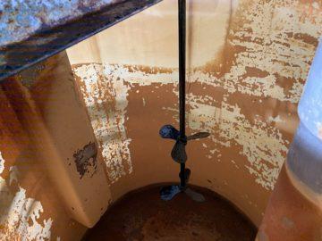 廃水処理施設用攪拌機の軸交換