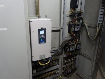 ポンプ用動力盤 インバーター交換