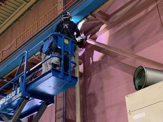 既設配管の撤去と特注製作した新規配管の取付