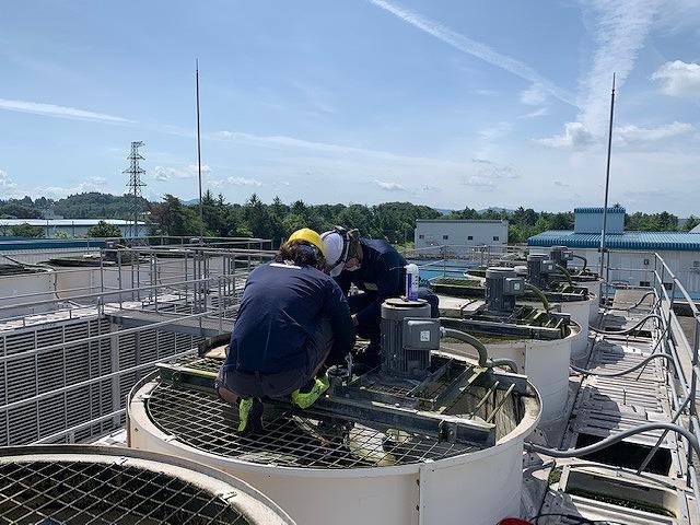 冷却塔の軸受交換工事