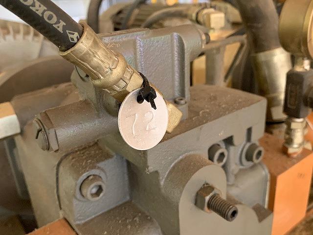 プレス機用油圧ホースの点検・リスト化