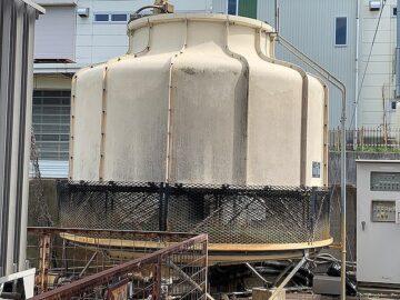 冷却塔のメンテナンス・消音マットの交換
